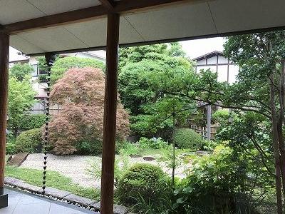 美術館の中から観る庭は最高でした。それほど広くない庭園でしたが、随所に工夫があり、観る者を楽しませてくれます。