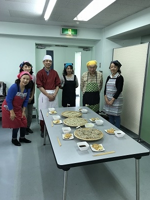 天ぷらは定番の野菜かき揚げと、千葉木更津の道の駅で購入した「シルクスウィート」というサツマイモでした。甘くて美味しかったです(^^♪