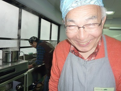 いつも楽しみに来てくれる井上さん。毎回本当に楽しそう~( ^)o(^ )