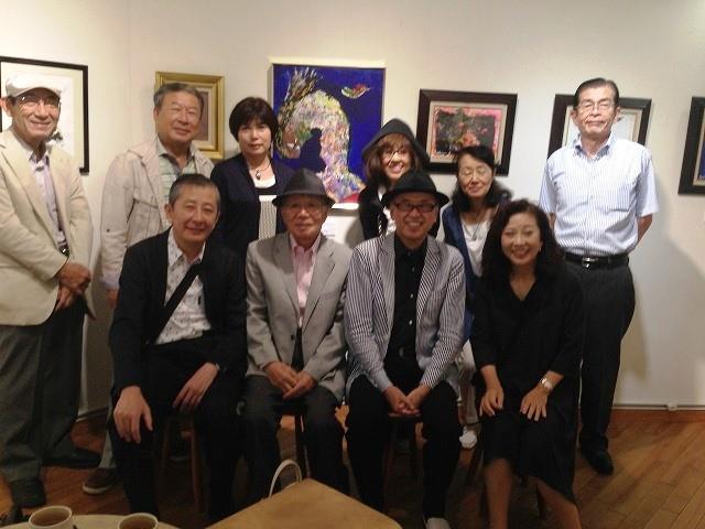 前列の左から3番目の方が、五十嵐 魯敏さんです。