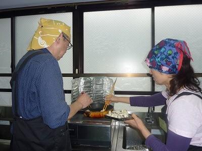 今回はお二人が天ぷらを作りました!二人の絶妙なコンビネーションはピッタリ(^^♪