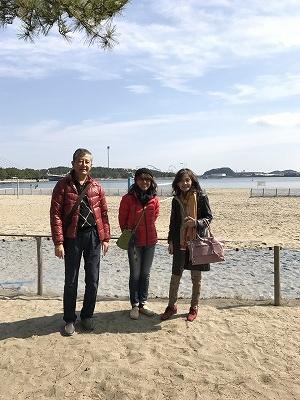 食後は自由散策・・・・「海の公園」に。潮風が気持ちいいです(^^♪