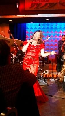 美沙さんは大変華やかさがあり、ビックバンドの演奏と絡み合う、ジャズは心を揺さぶります(^^♪