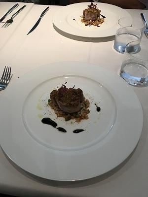 豚肉のヒレ肉、とても柔らかくてバルサミコソースとの相性が抜群でした(^^♪