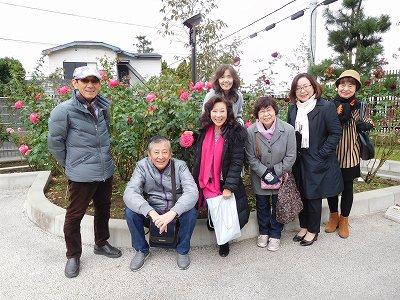 イタリアンレストランにてランチを頂いた後は・・・旧吉田茂邸に隣接する「バラ園」にて(^^♪ 美しいバラが素敵でした!!