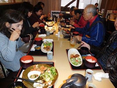 鎌倉駅前の「仕立屋」さんでランチ。午後1時近かったので、お腹がすいた~(#^^#)