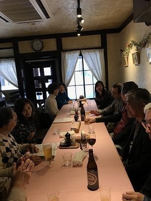 レストランに入る前に立ち寄り、お茶、お茶菓子、お経をあげていただいた「甚行寺」さんの紹介のレストランです。縁があり沢山のおもてなしを頂きました。本当に感謝です!(^^)!  ご紹介のレストラン「魚マルシェ」で頂きました。美味しさとボリュムとコスパがすごく満足でした。
