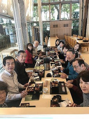 魯敏さんの個展の鑑賞の後は、京橋から皇居外苑まで20分程散策。お天気がとても良かったので大変気持ち良かったです(^^♪