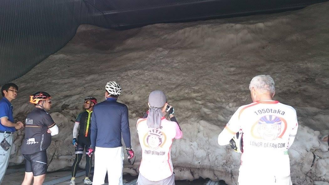 下中津川にある雪室。豪雪地帯・昭和村の雪を大量にストックして、、、
