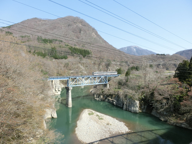 塔のへつり橋から