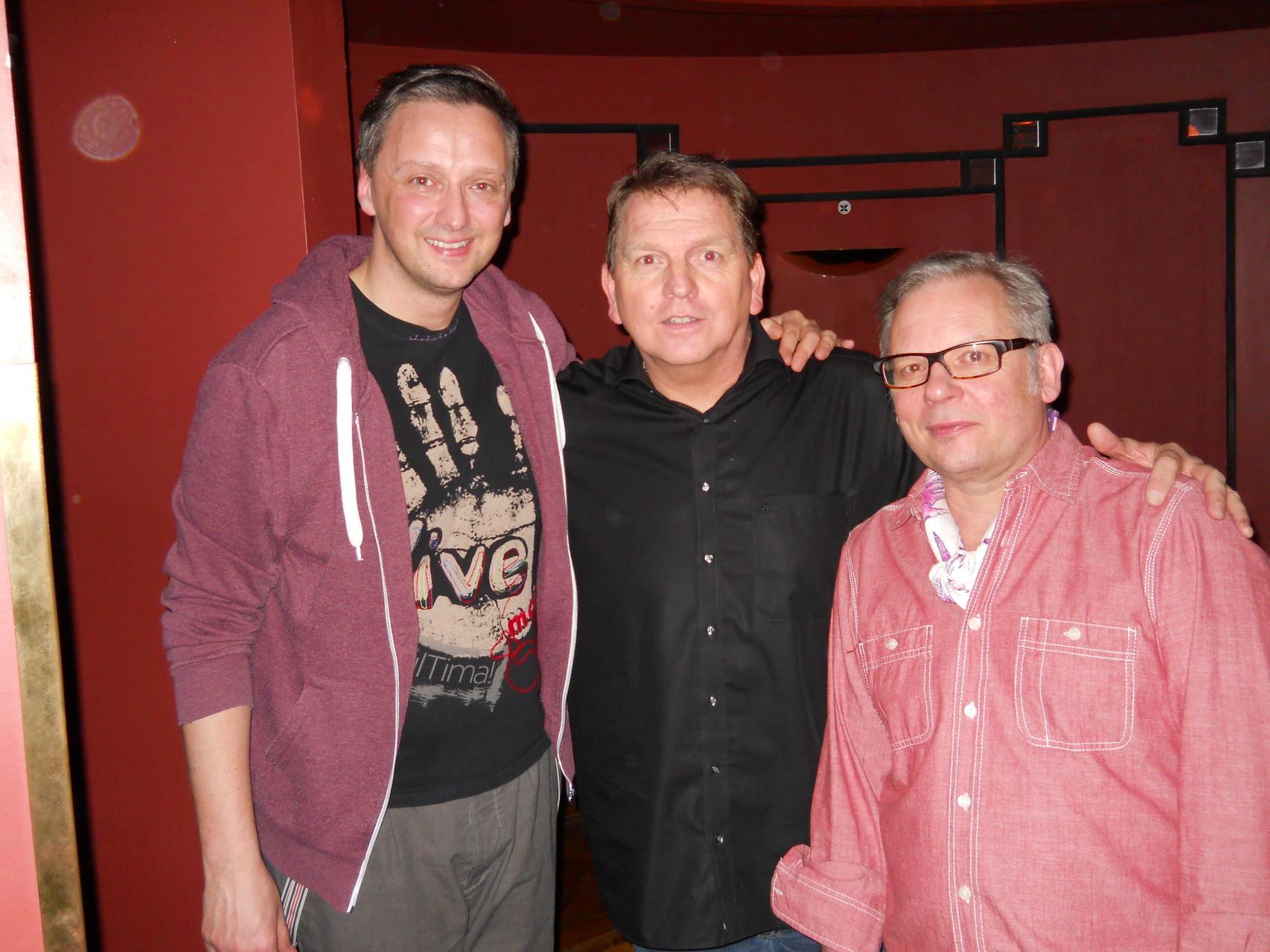 Zwei wirklich nette Typen: li. Ole Lehmann ( Moderator und Comedian) und re. Thomas Schrode ( Veranstalter).  Ein Danke an beide !!    (c) silvia ricker