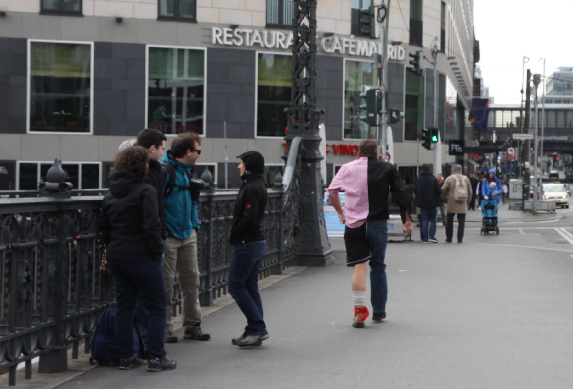 Auch wieder eine tolle Reaktion von den Passanten ...     (c) Silvia Ricker