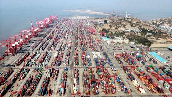 Port de Shanghai, extension de Yangshan, premier port mondial en 2017
