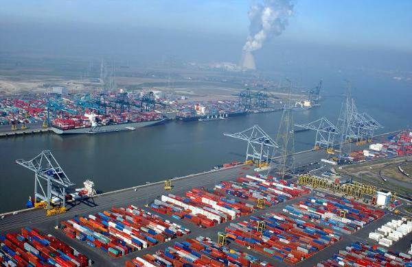 Port d'Anvers, Belgique, dans le top 20 des plus grands ports mondiaux