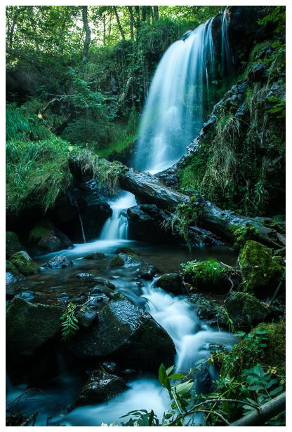 La cascade de Courbières se trouve dans le Cantal, près d'Allanche.