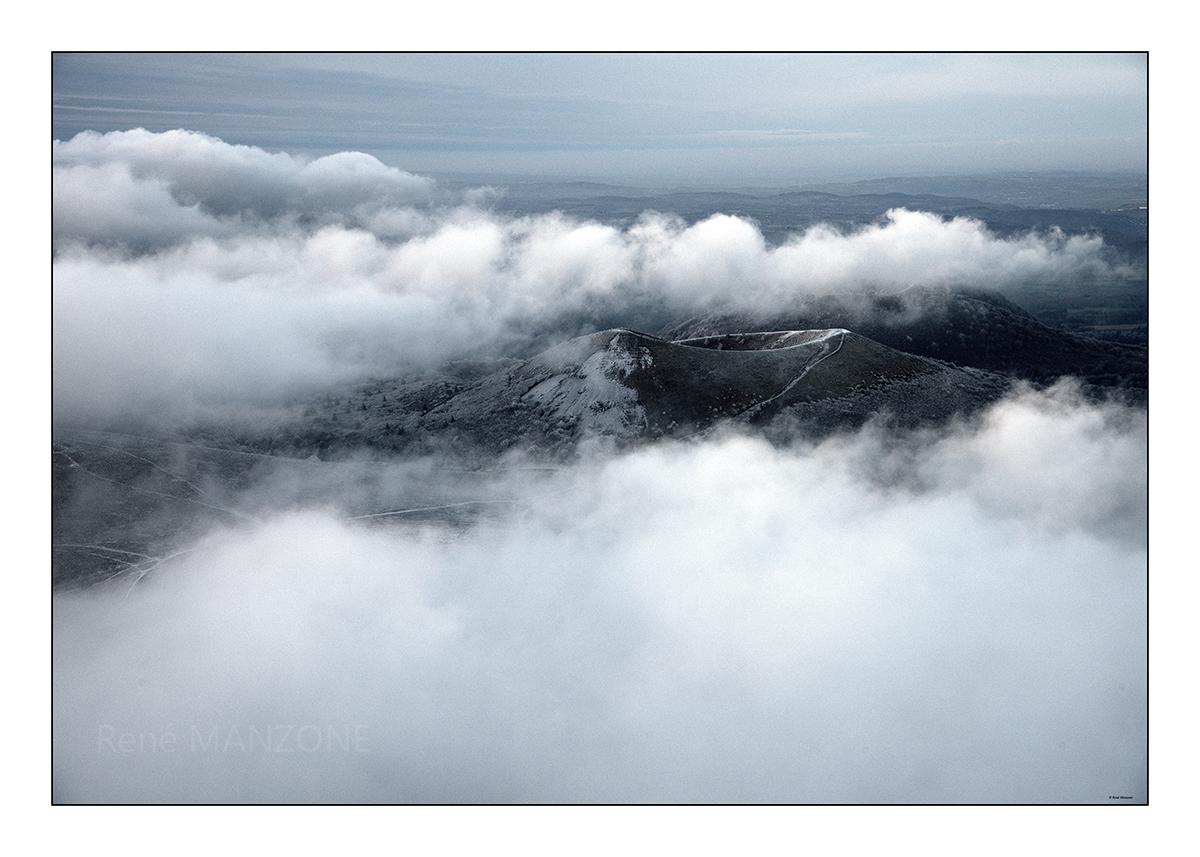 Le puy de Pariou et mer de nuages