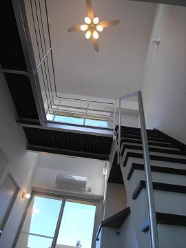 メゾネットへの階段
