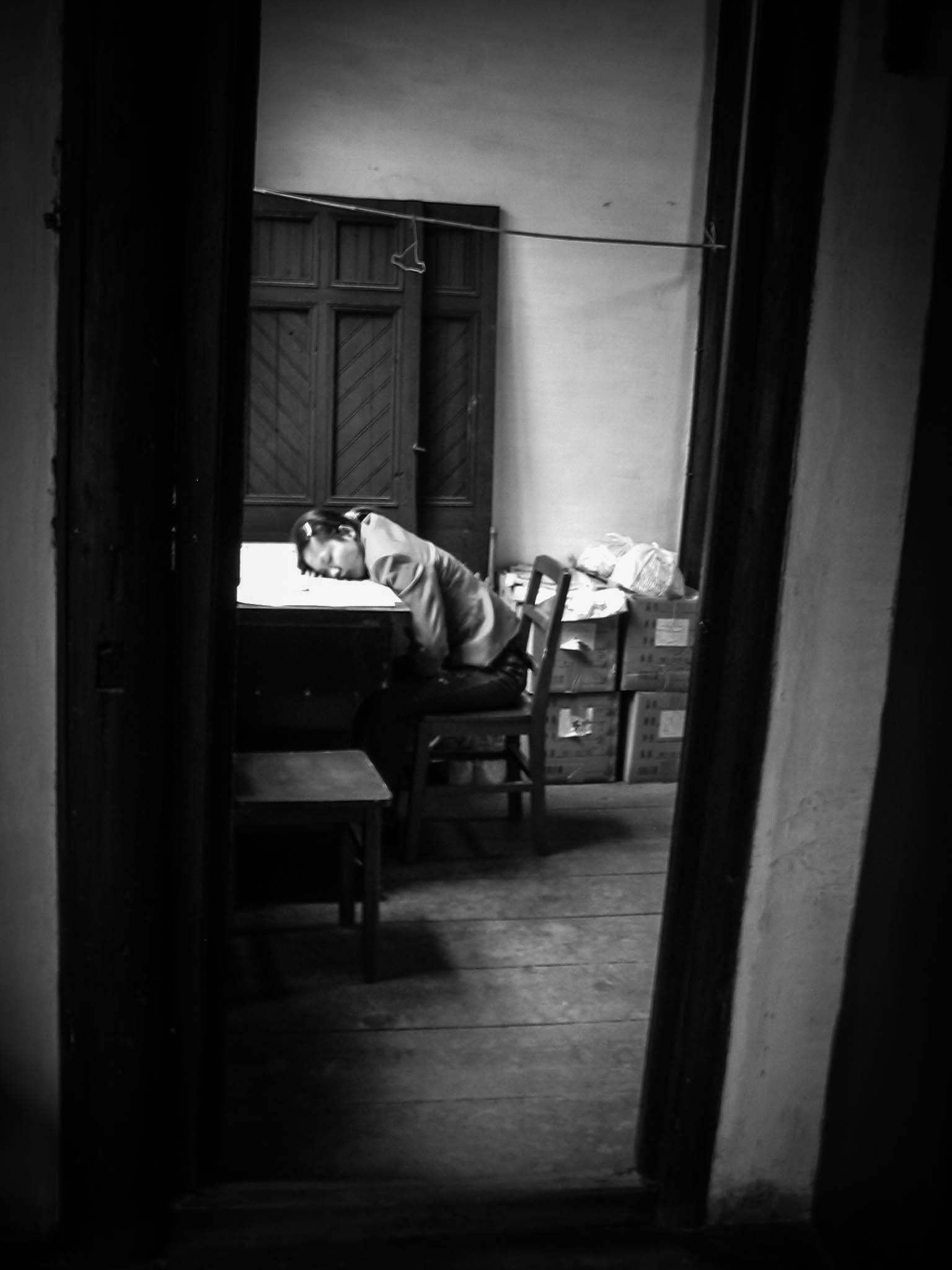 Take a nap - Zhouzhuang  China 04 2005