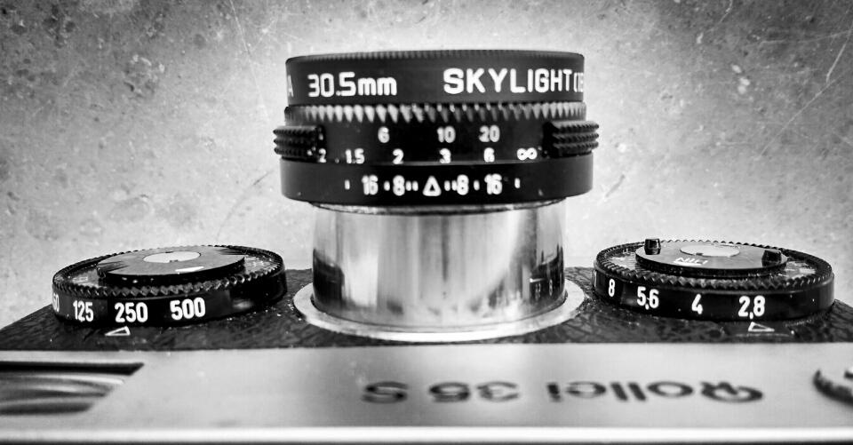 Reine Einstellungsbescheid. Das Skylight Filter gehört sicher weg, oder könnte durch ein Neutralität ersetzt werden.