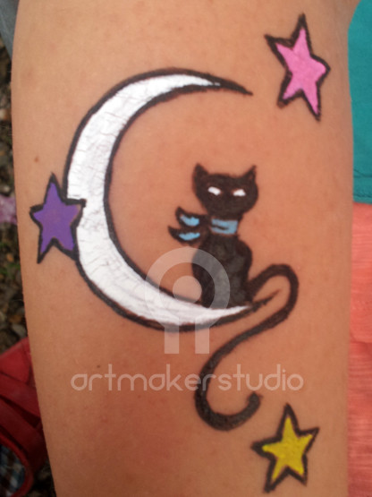 Tattoo temporal pintado a mano - Gato en la luna