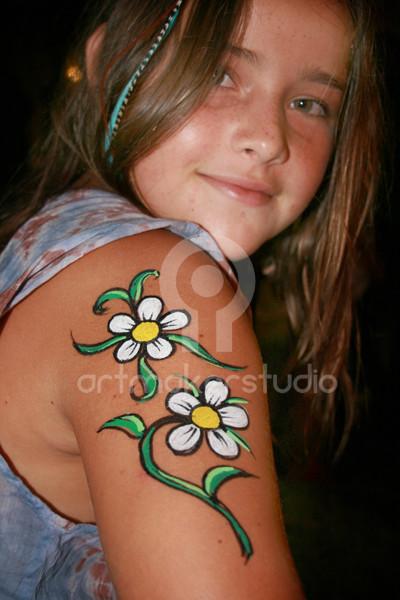 Tattoo temporal pintado a mano - Flores