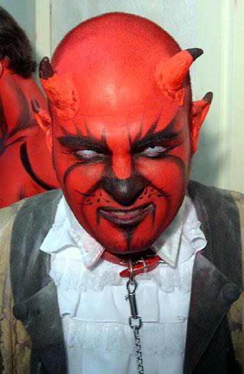 Diablo maquillaje facial