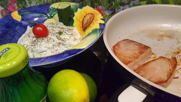 Dinkel-Dreams 3: Kartoffel-Gnocchi mit Thunfisch-Steaks und Gurkensalat