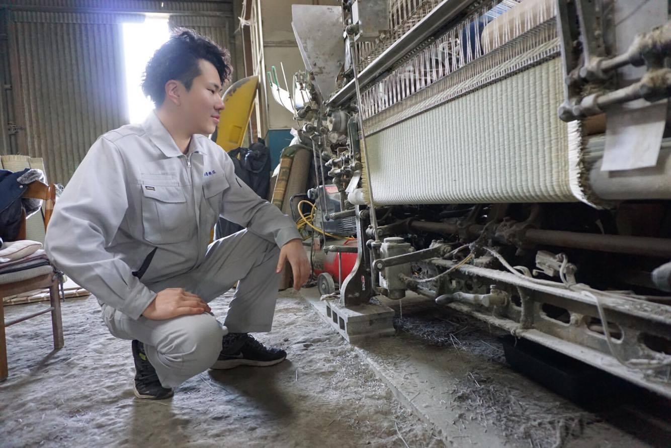 製織生産者と交流を深め、筑後産の畳表を直接購入。