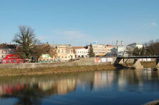 Город на реке Уж