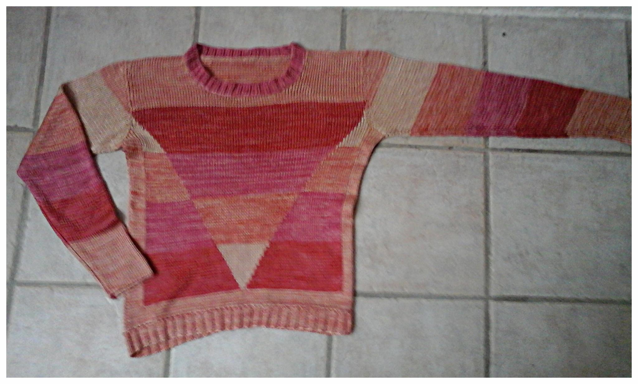 Der handgestrickte seidene Pullover in XS kann als Weste mit Leinenschalkragen mehr, verkauft, Idee und Ausführung: Beate Gernhardt