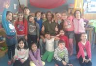 Martin Koprax mit SchülerInnen