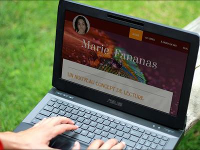 impression d'écran de la page d'accueil du site mariefananas.jimdo.com vue sur un ordinateur portable