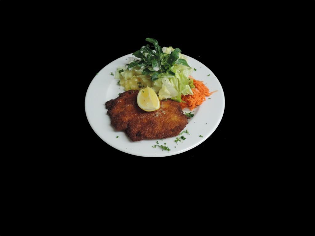Schnitzel mit Salat