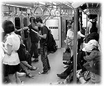 Picture of Korean people in the subway. Bilder von Koreanern in der U-Bahn der Hauptstadt.