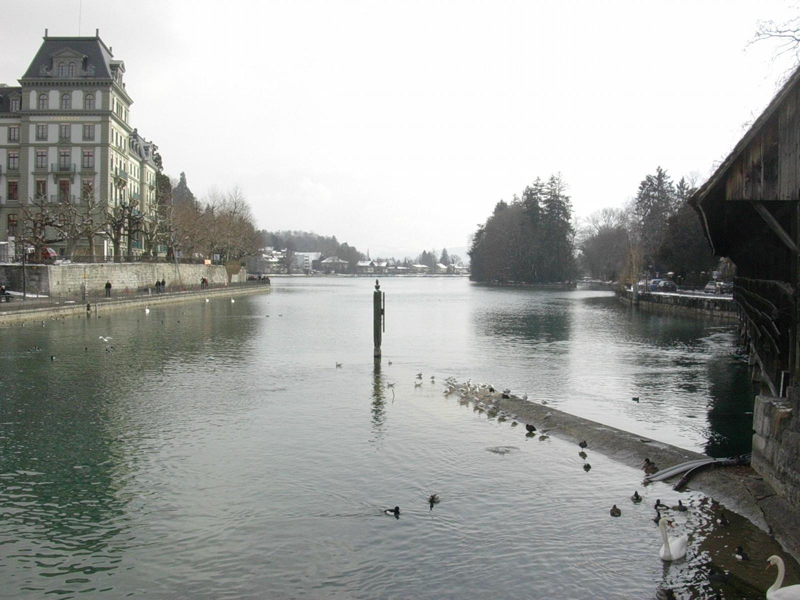 Thun - Göttlisteig mit Blick auf Schilthorn, Blümlisalp und Niesen im Februar 2005