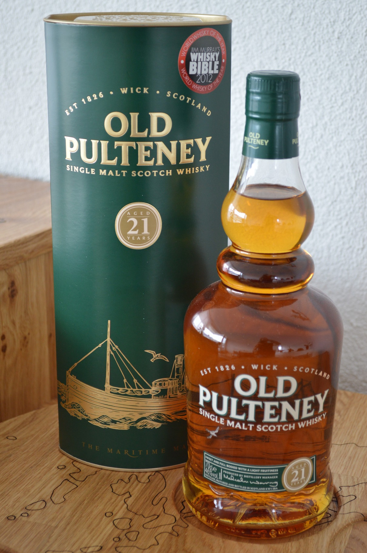 HIGHLANDS - Old Pulteney* - Aged: 21 years - 70cl - 46%