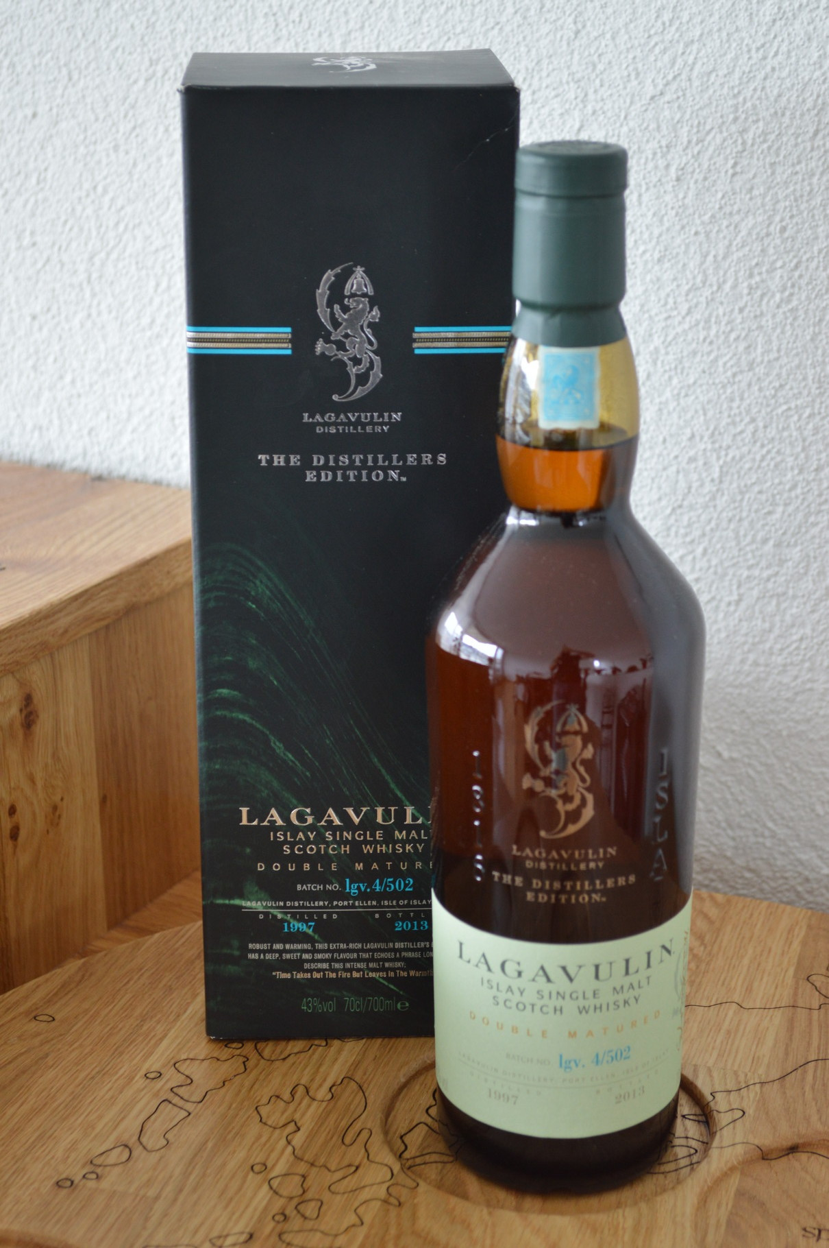 ISLAY - Lagavulin - Aged: 16 - Bottler: Original - 70cl - 43% - The Distillers Edition