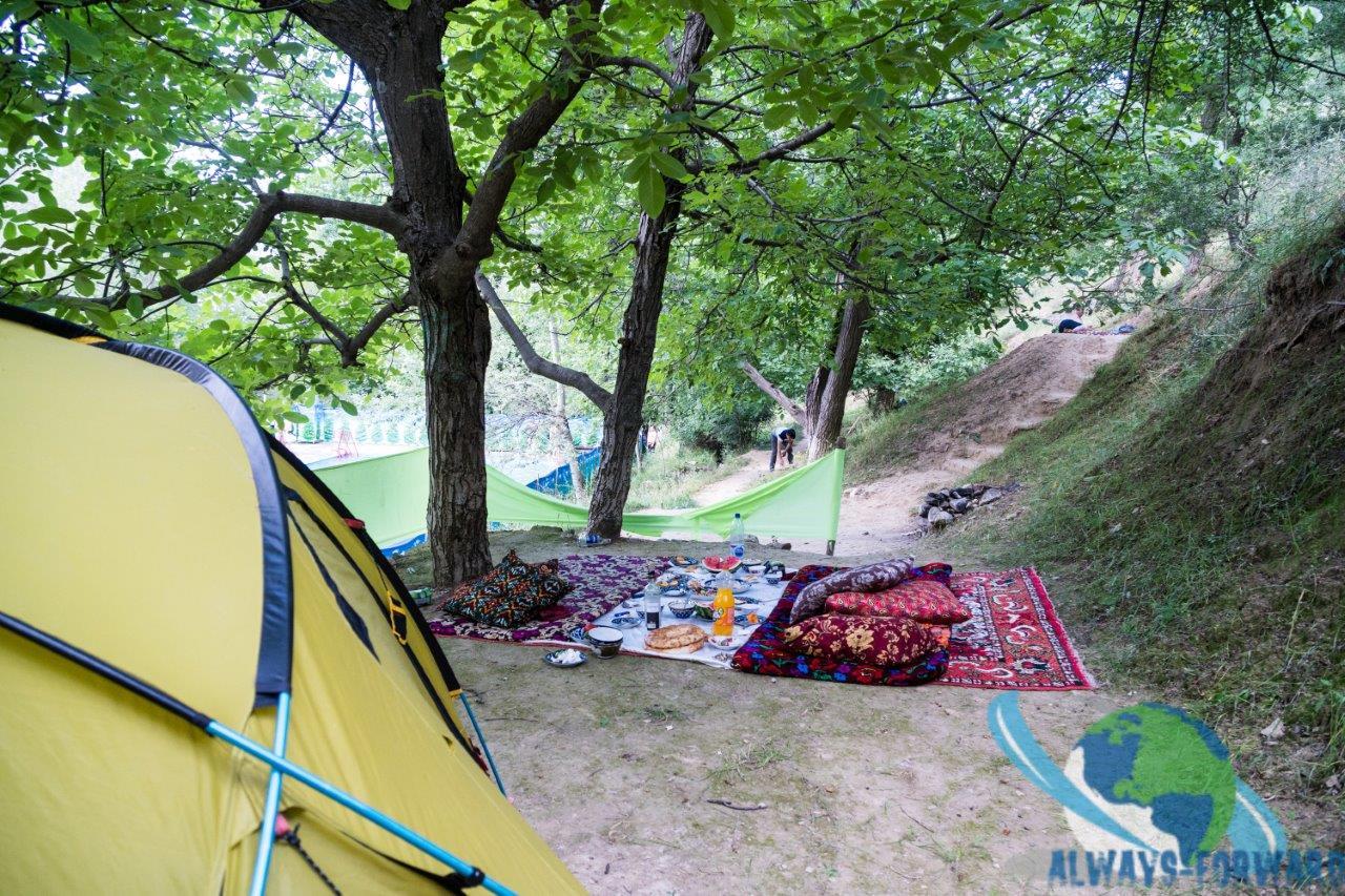 feiern direkt hinter meinem Zelt