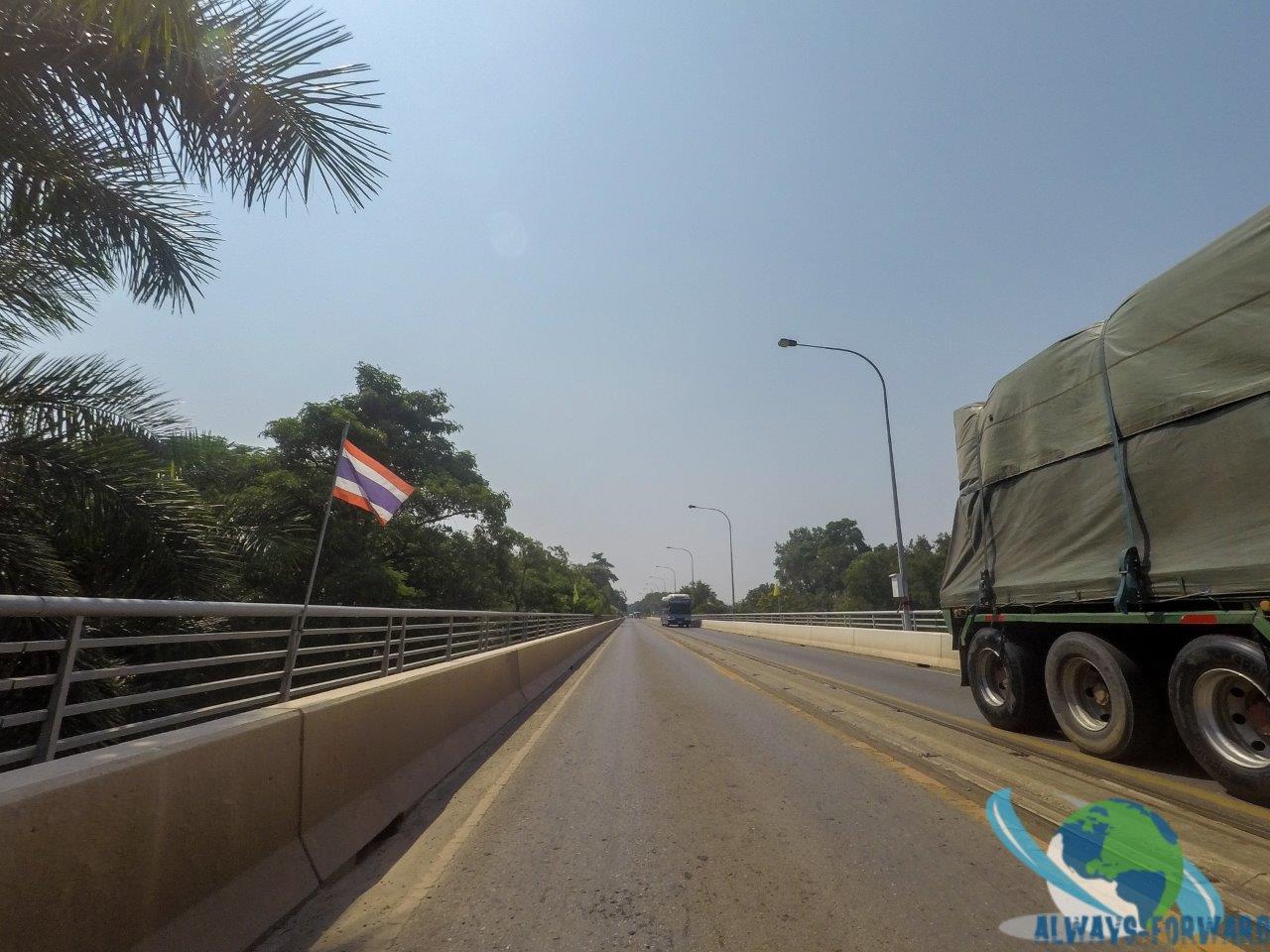 Brücke nach Thailand