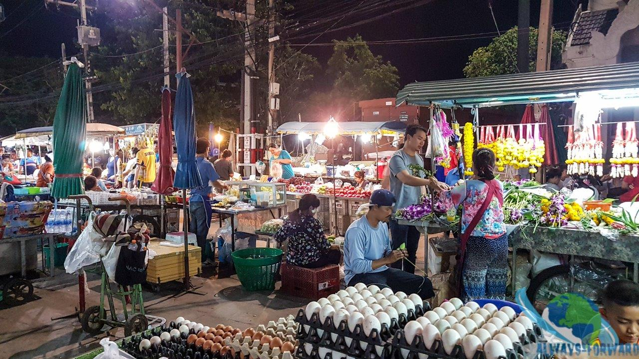 kleiner Markt in Phimai