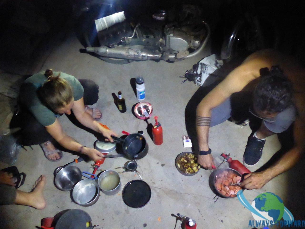 Nachtessen kochen in der Garage