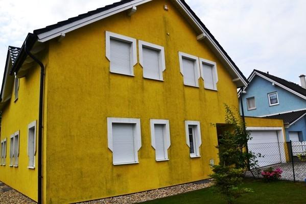 Untersiebenbrunn - vor der Fassadenreinigung