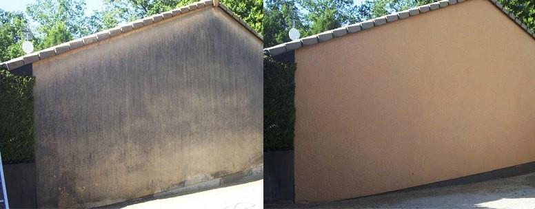 Die Wetterseite wurde durch die Fassadenreinigung wieder sauber