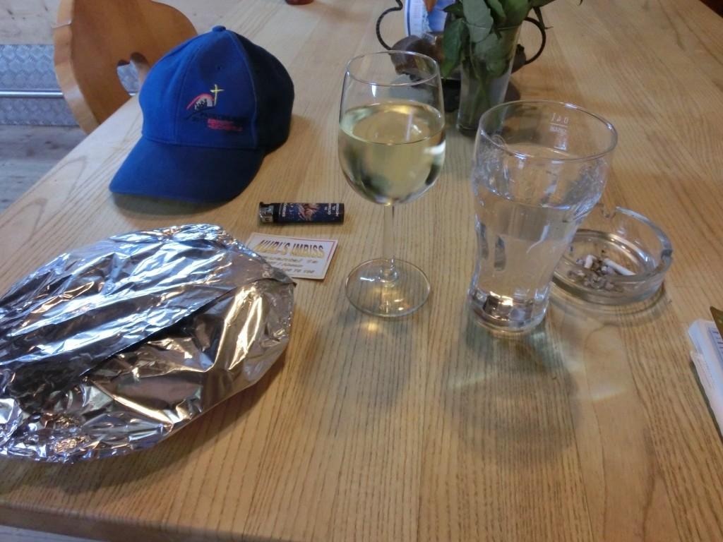 Dann zur Kräftigung einen Wein.