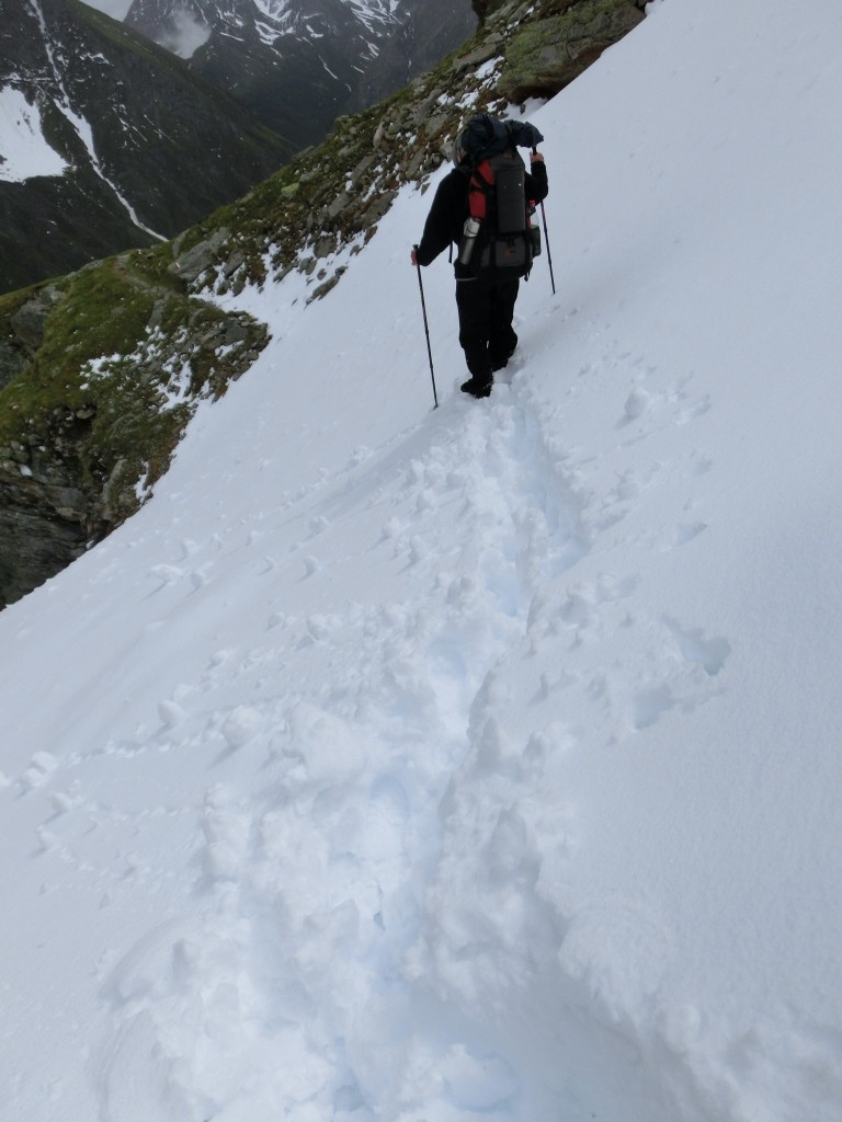 Und wieder ein Schneefeld steil am Abhang zu queren.