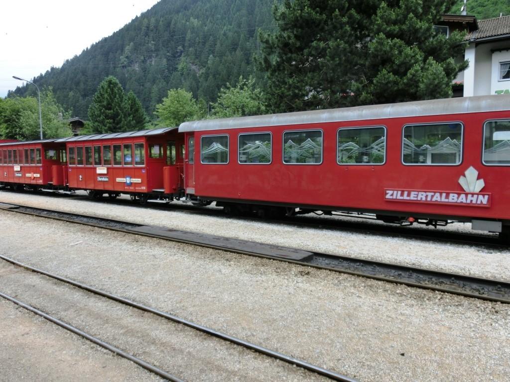 Weiter von Jenbach nach Mayrhofen mit der Zillertalbahn.