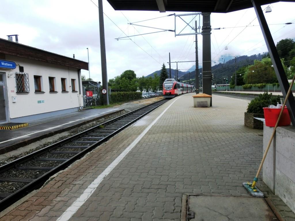 Mit dem Zug von Wattens nach Jenbach.