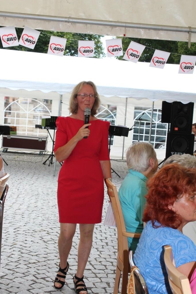 Moderatorin beim Sommerfest 2013