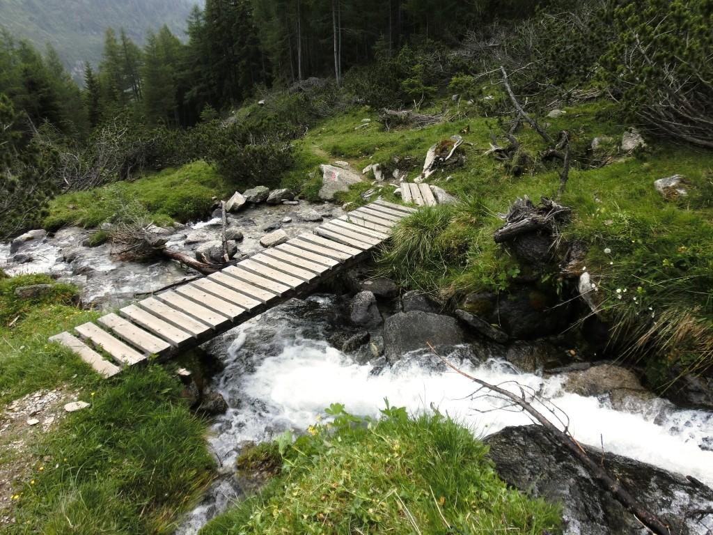 Und Brücken helfen über Wasser.