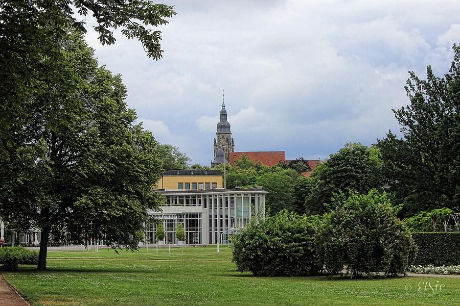 Kongresshaus mit Moritzkirche